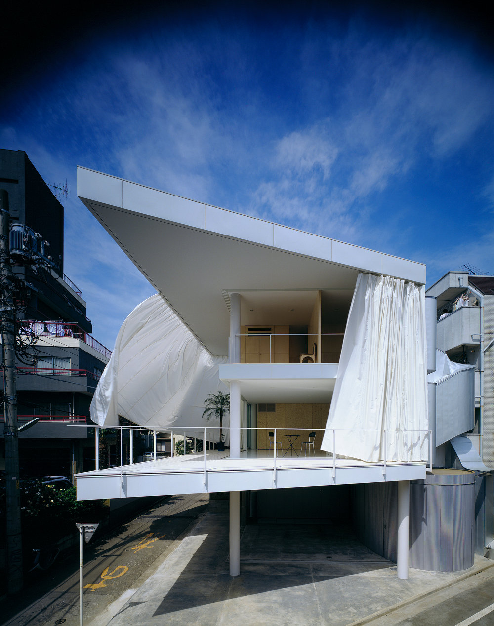 Shigeru-Ban-Curtain-Wall-House-01 Pritzker 2014